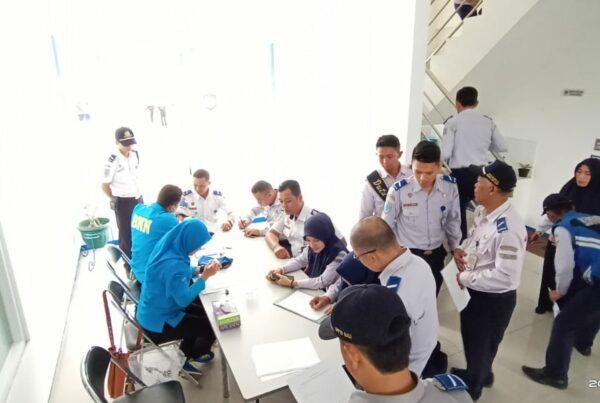 Test Urine Narkoba Para Pegawai Kementerian Perhubungan Satuan Pelayanan Terminal Tipe A Guntur Melati Garut.
